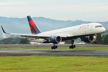 N667DN - Delta Air Lines Boeing 757-200