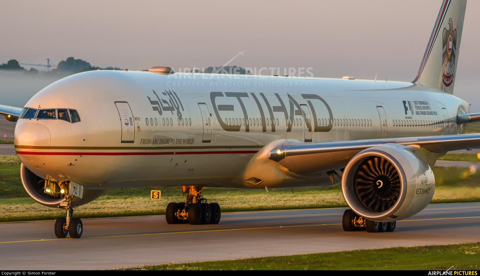 Etihad Airways A6-ETL aircraft at Munich