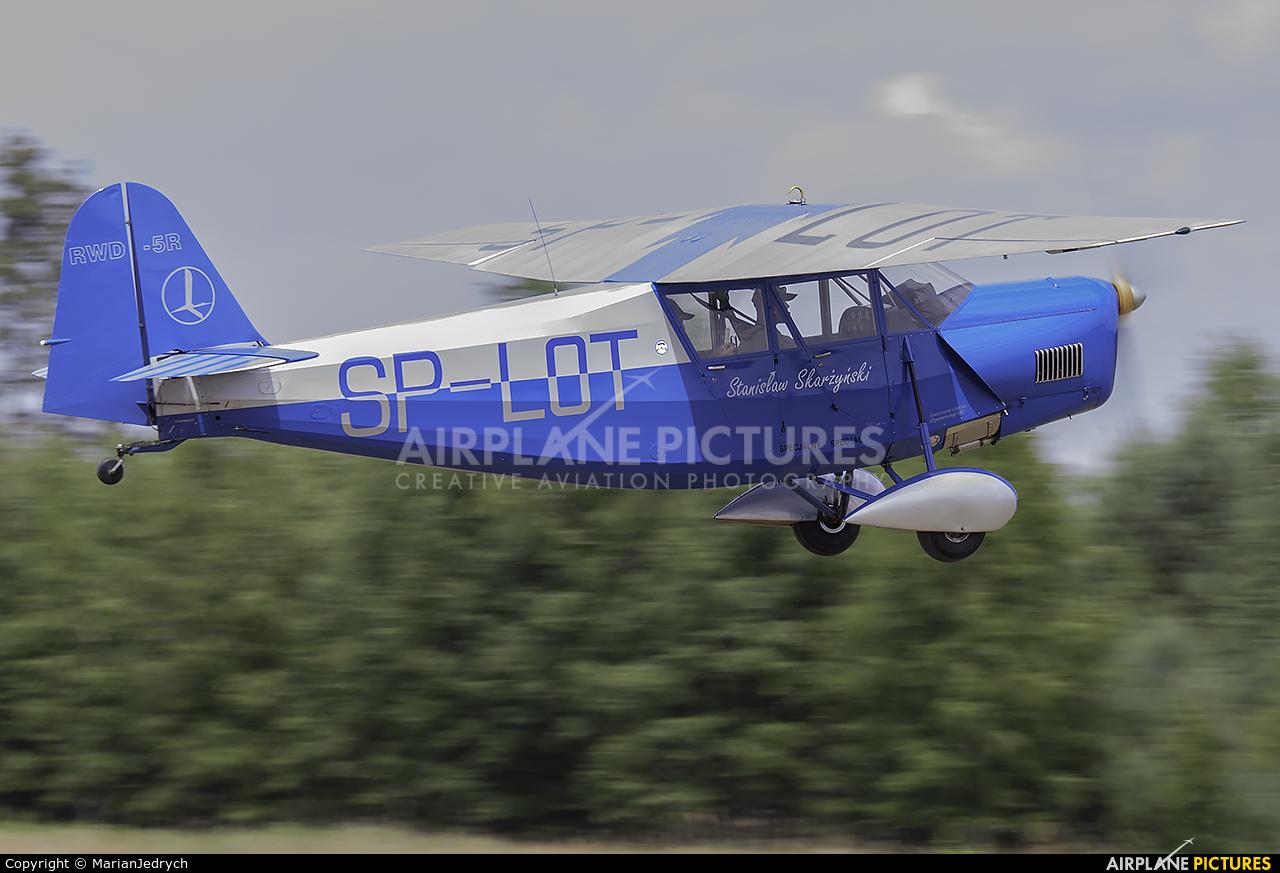 Private SP-LOT aircraft at Sobienie Królewskie