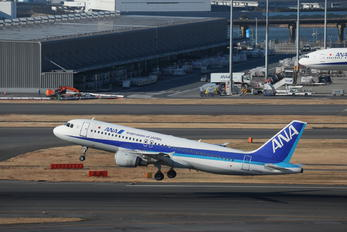 JA8400 - ANA - All Nippon Airways Airbus A320