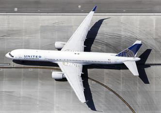 N590UA - United Airlines Boeing 757-200