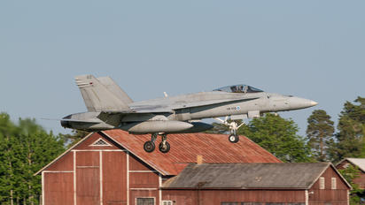 HN-440 - Finland - Air Force McDonnell Douglas F-18C Hornet