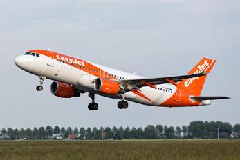 G-EZOY - easyJet Airbus A320