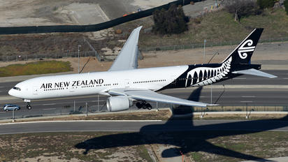 ZK-OKO - Air New Zealand Boeing 777-300ER