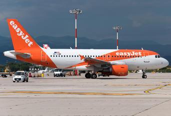 OE-LQM - easyJet Europe Airbus A319