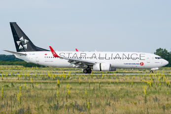 TC-JHE - Turkish Airlines Boeing 737-800