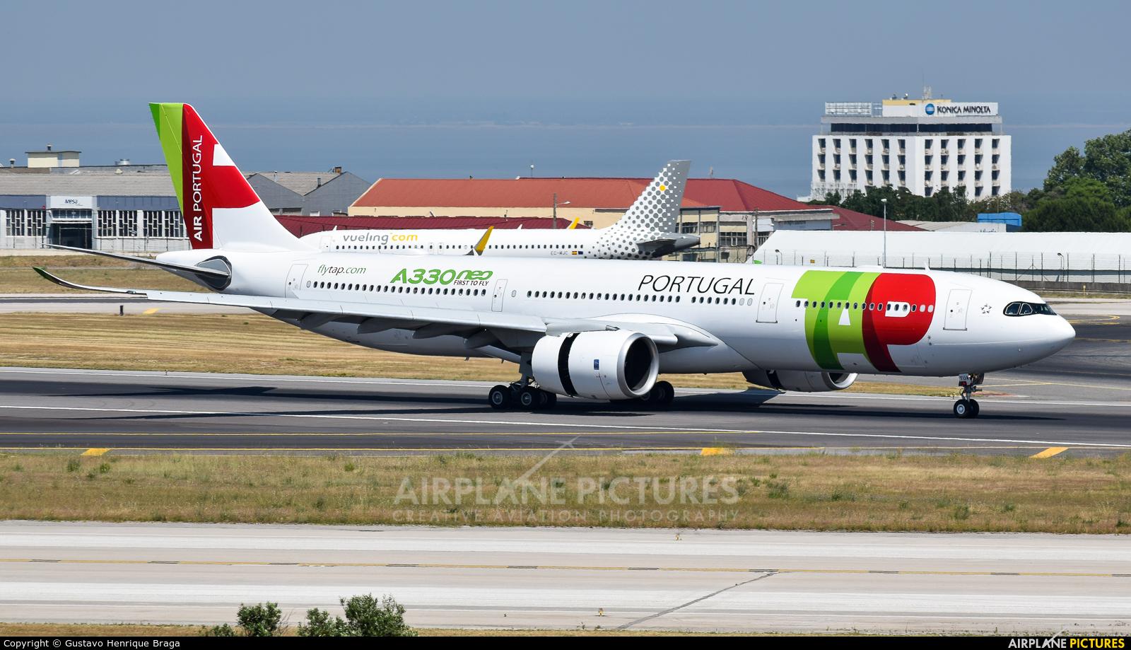 TAP Portugal CS-TUA aircraft at Lisbon