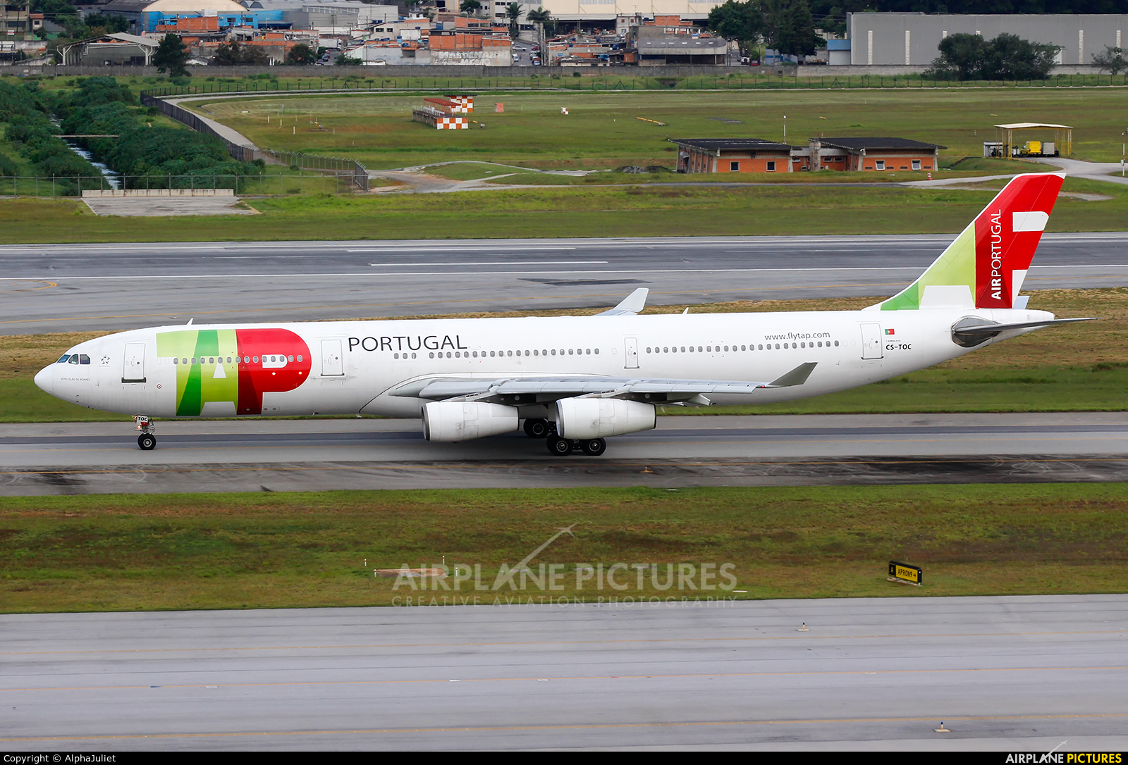 TAP Portugal CS-TOC aircraft at São Paulo - Guarulhos