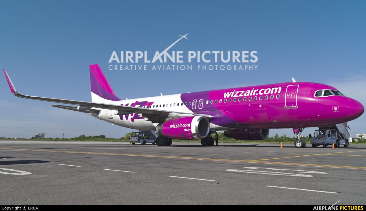Wizz Air HA-LYF aircraft at Craiova