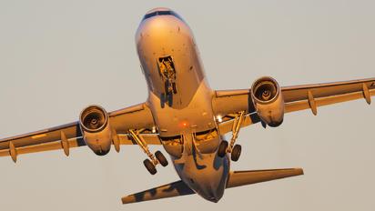 LV-BTM - LAN Argentina Airbus A320