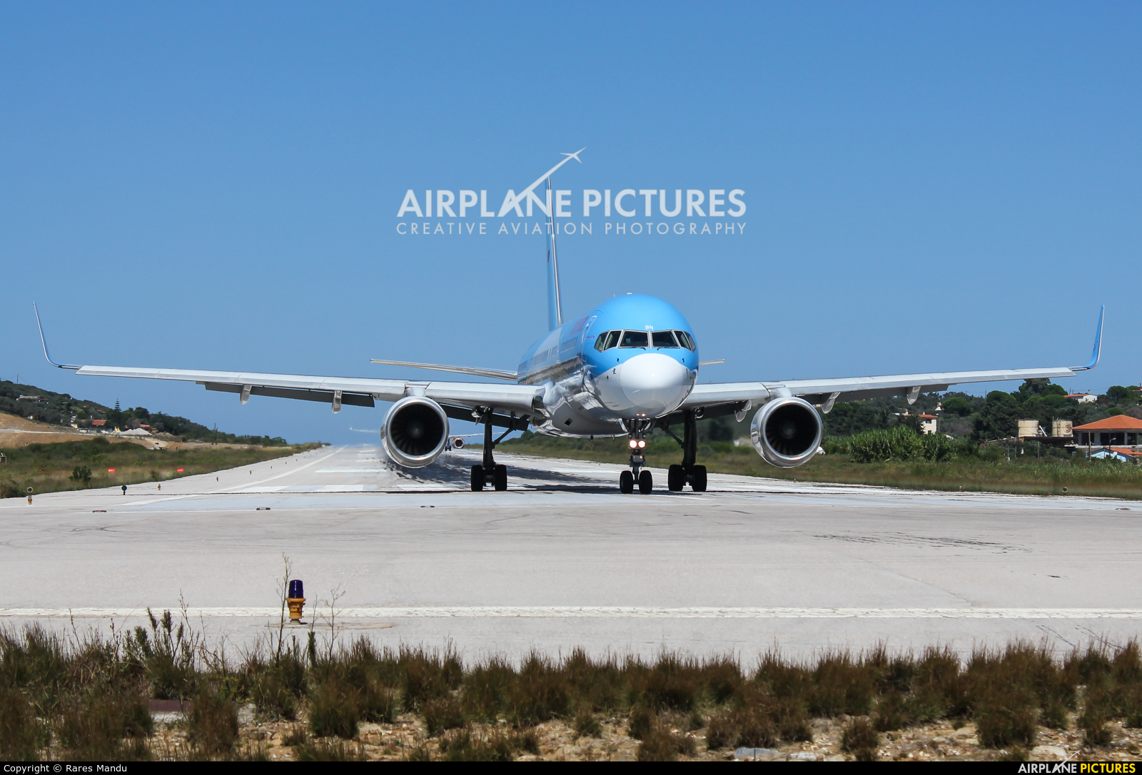 Thomson/Thomsonfly G-OOBN aircraft at Skiathos