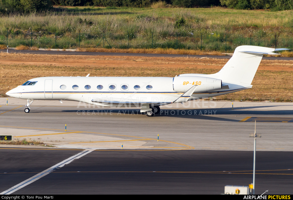 Private 8P-ASD aircraft at Palma de Mallorca