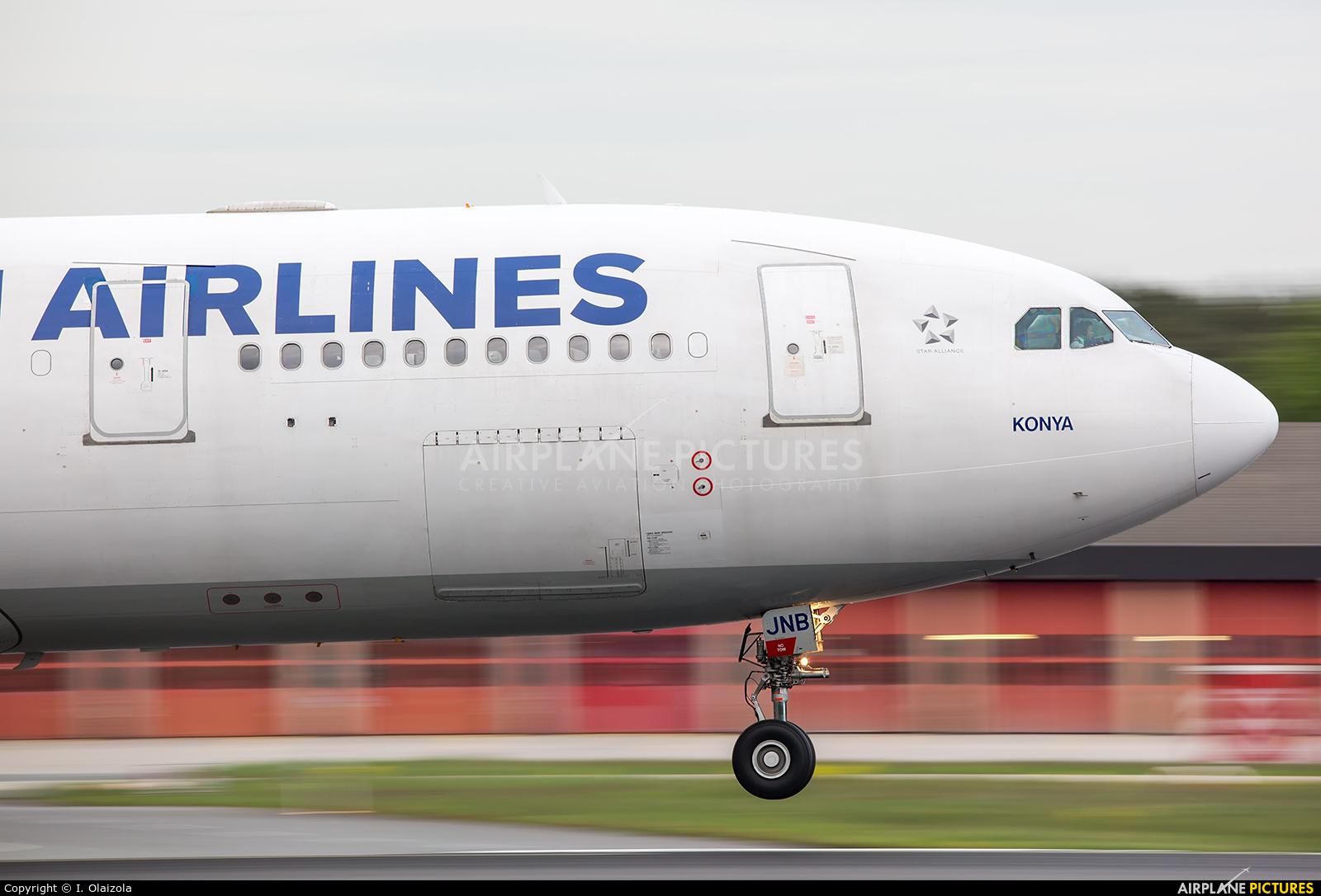 Turkish Airlines TC-JNB aircraft at Frankfurt