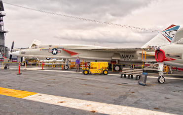 - - USA - Navy - Airport Overview - Museum, Memorial