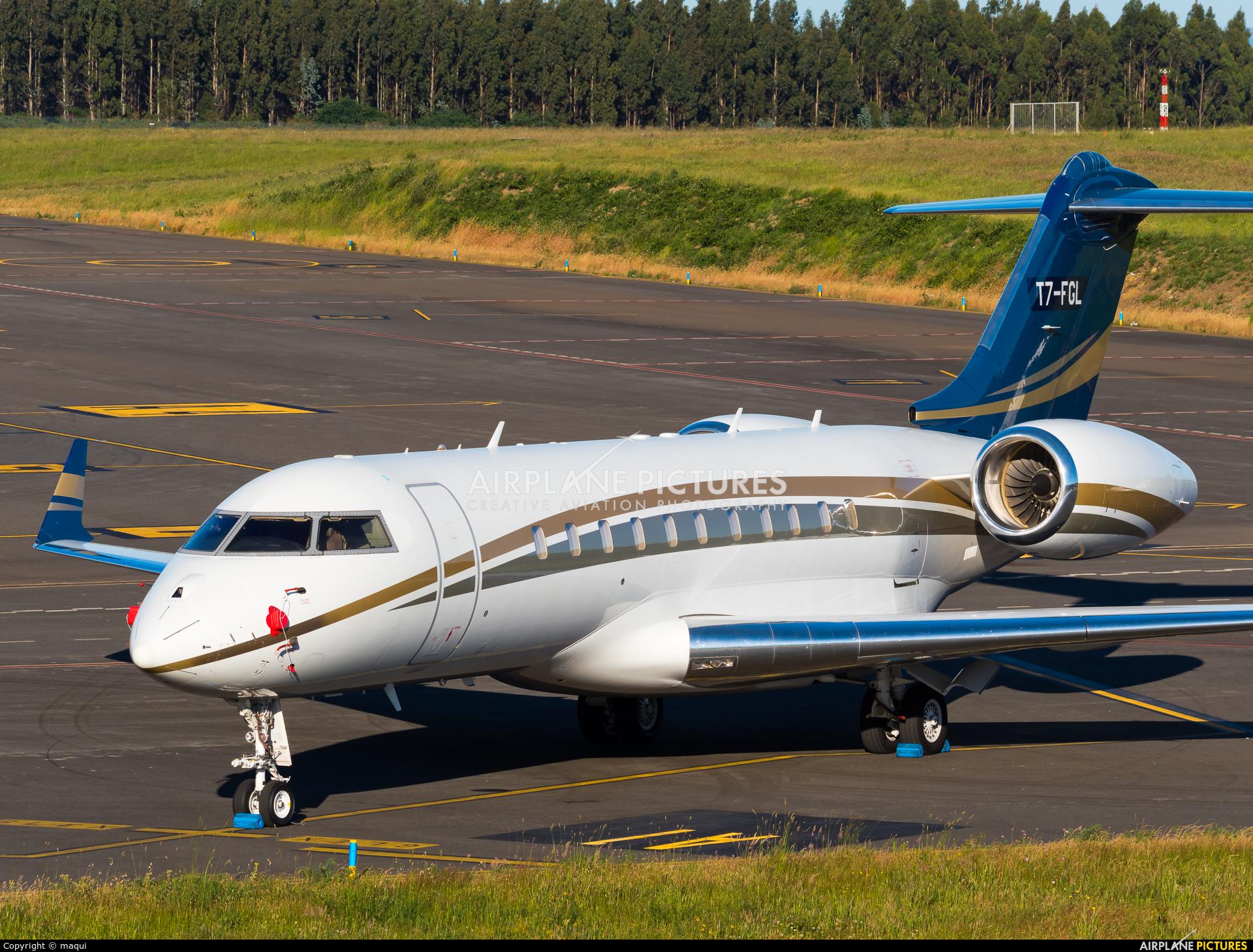 Private T7-FGL aircraft at Santiago de Compostela