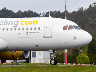 EC-MXG - Vueling Airlines Airbus A320