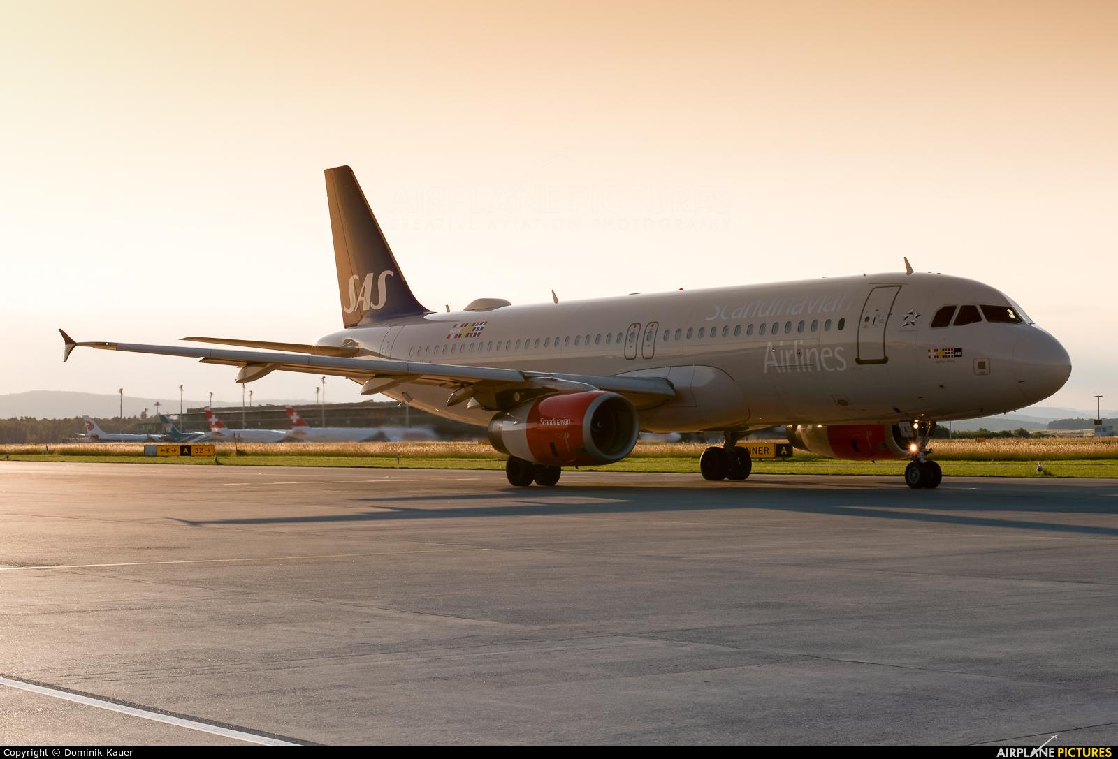 SAS - Scandinavian Airlines OY-KAS aircraft at Zurich
