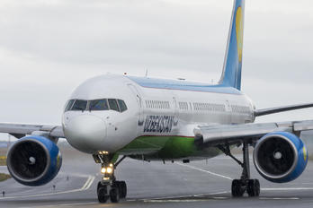 UK-75703 - Uzbekistan Airways Boeing 757-200