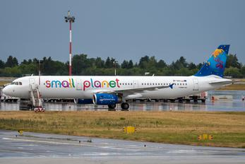 SP-HAV - Small Planet Airlines Airbus A321