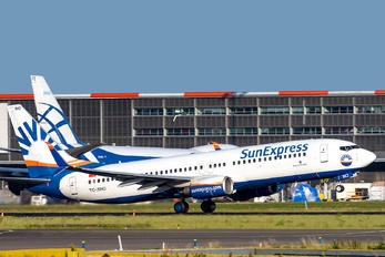 TC-SNO - SunExpress Boeing 737-800