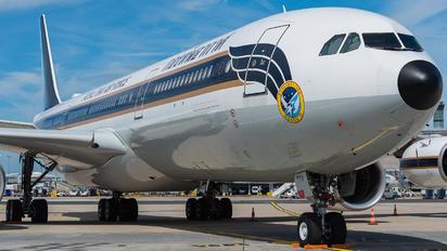 HS-TYV - Thailand - Air Force Airbus A340-500