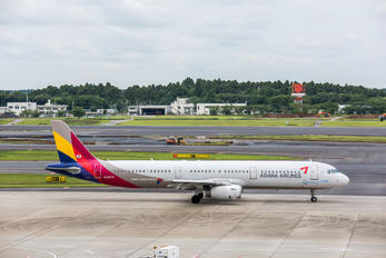 HL8279 - Asiana Airlines Airbus A321