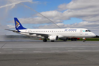P4-KCH - Air Astana Embraer ERJ-190 (190-100)