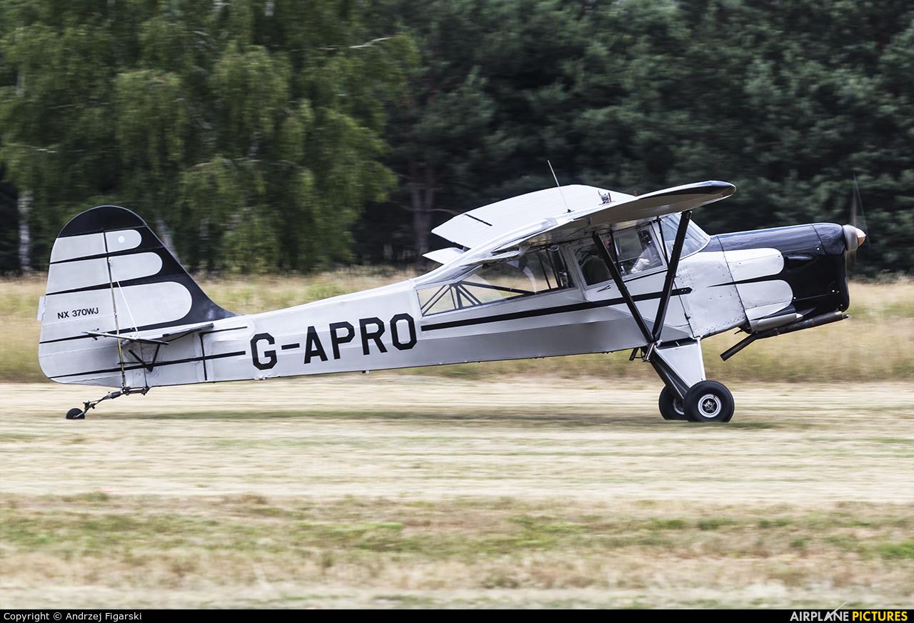 Private G-APRO aircraft at Sobienie Królewskie
