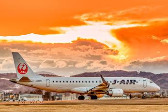 JA247J - JAL - Japan Airlines Embraer ERJ-190 (190-100)