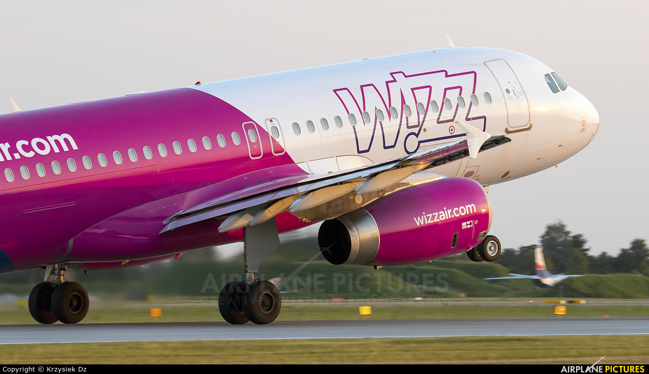Wizz Air HA-LWG aircraft at Katowice - Pyrzowice