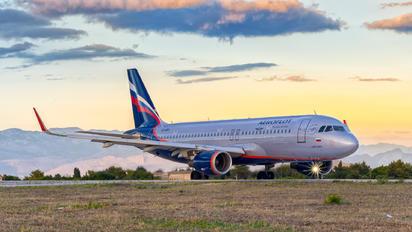 VQ-BRV - Aeroflot Airbus A320
