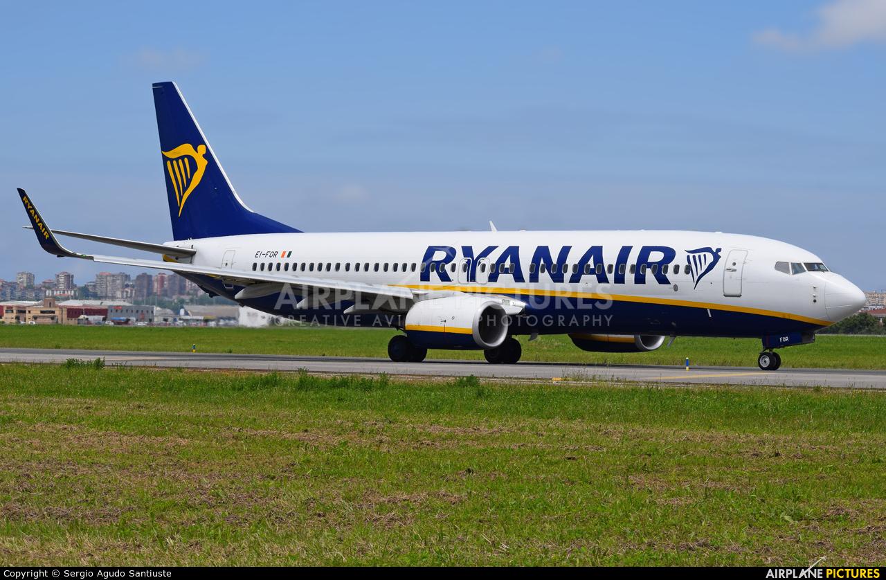 Ryanair EI-FOR aircraft at Santander
