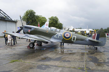 TB995 - Royal Air Force Supermarine Spitfire LF.XVIe