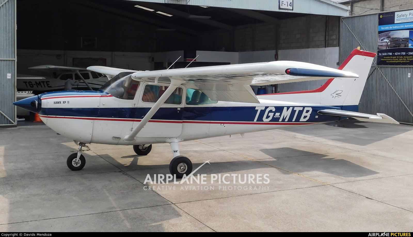 Private TG-MTB aircraft at Guatemala - La Aurora