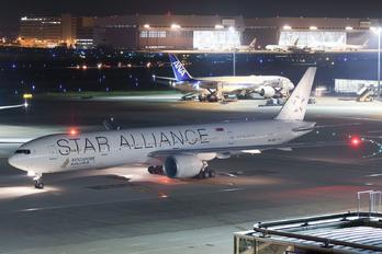 9V-SWI - Singapore Airlines Boeing 777-300ER