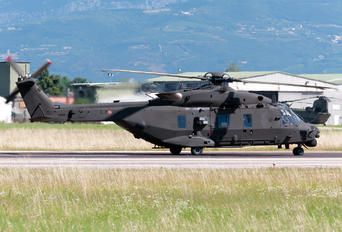 MM81548 - Italy - Army NH Industries NH-90 TTH