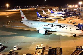 JA865J - JAL - Japan Airlines Boeing 787-9 Dreamliner