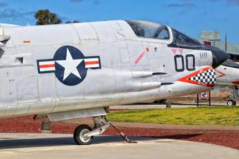 150920 - USA - Marine Corps Vought F-8E Crusader