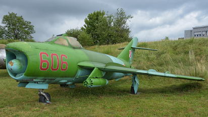 606 - Poland - Air Force PZL Lim-6M