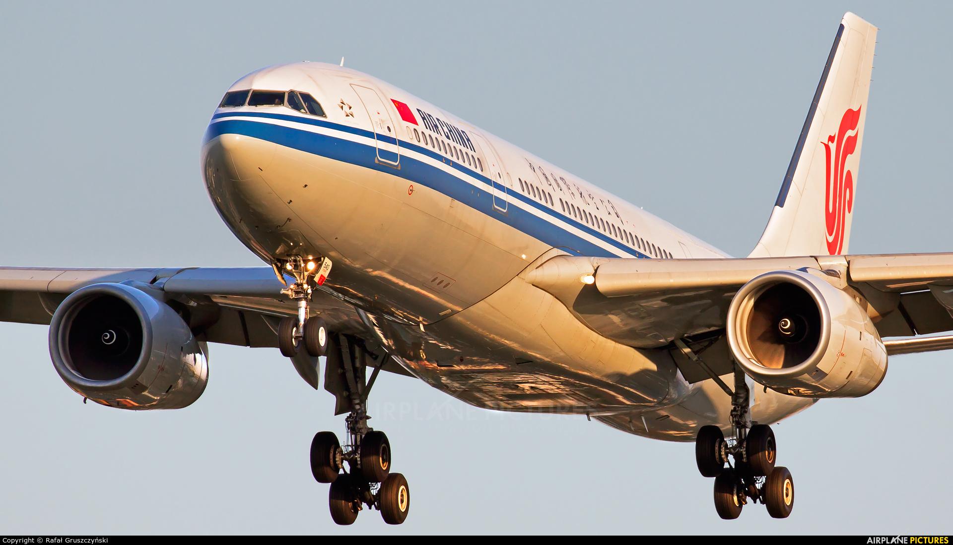 Air China B-6540 aircraft at Warsaw - Frederic Chopin