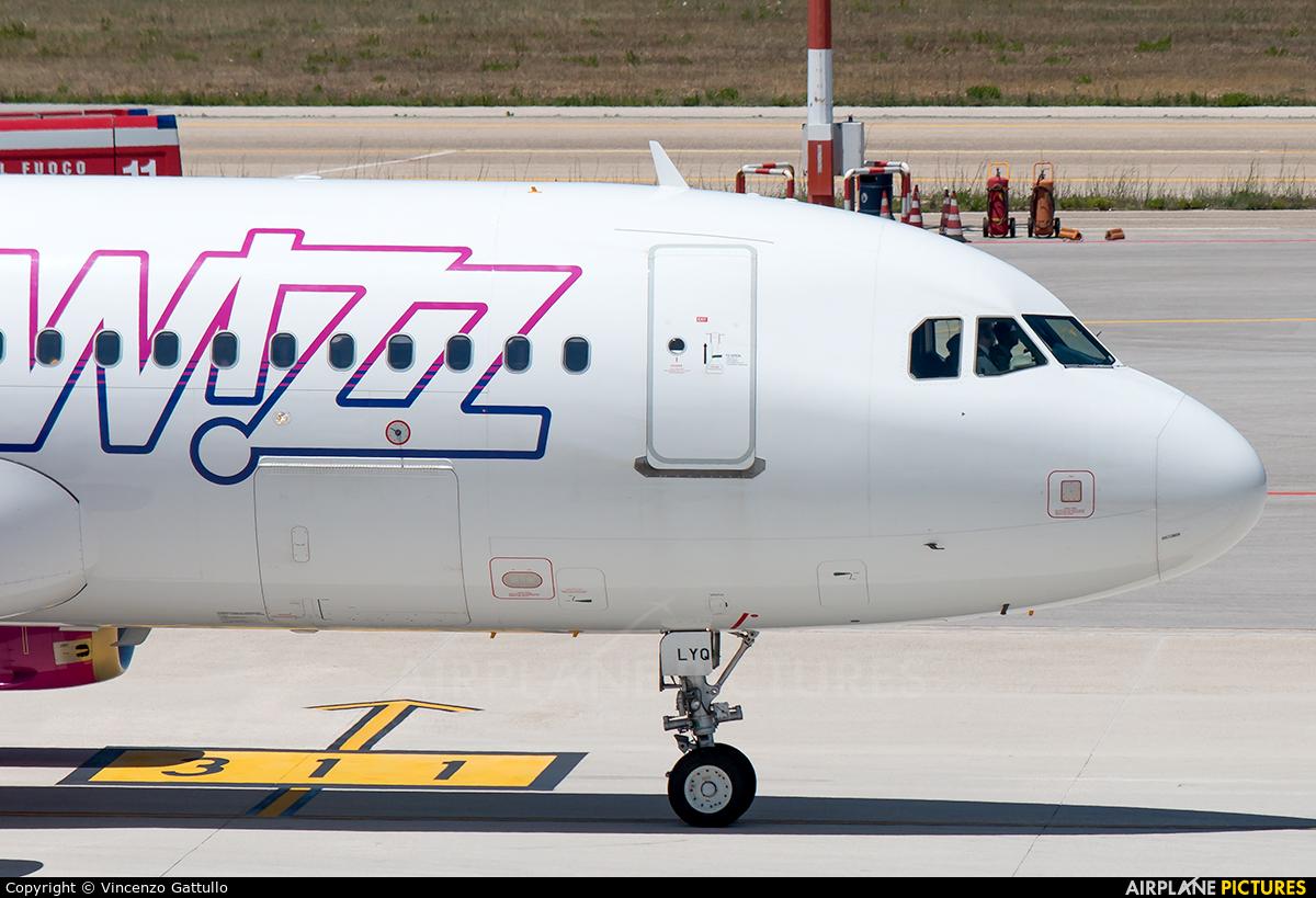 Wizz Air HA-LYQ aircraft at Bari