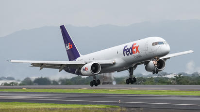 N958FD - FedEx Federal Express Boeing 757-200F