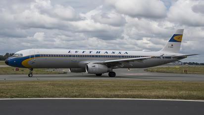 D-AIDV - Lufthansa Airbus A321