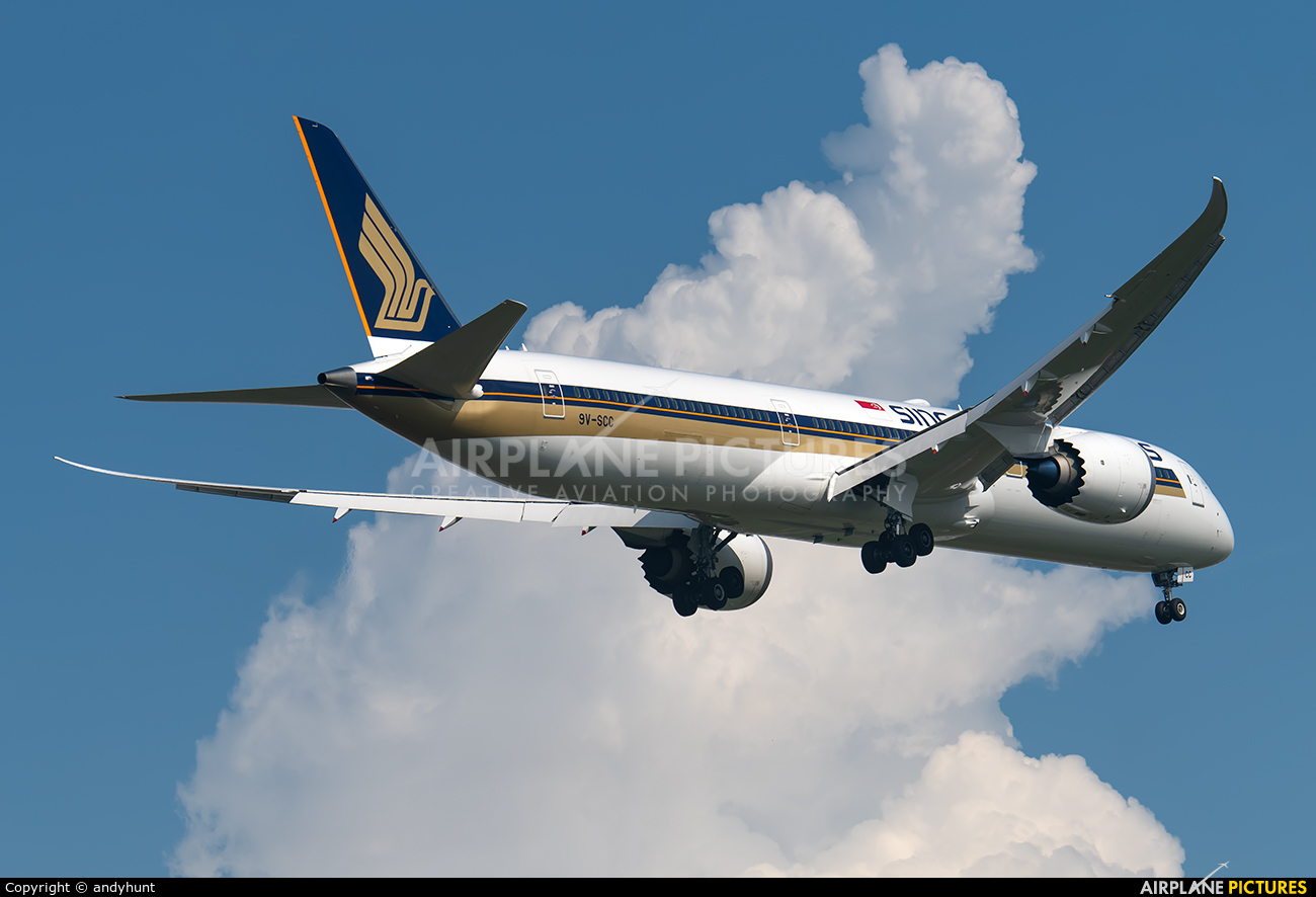 Singapore Airlines 9V-SCC aircraft at Singapore - Changi