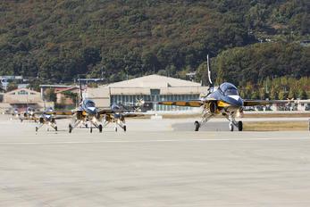 10-0051 - Korea (South) - Air Force: Black Eagles Korean Aerospace T-50 Golden Eagle