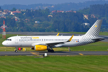 EC-MXP - Vueling Airlines Airbus A320