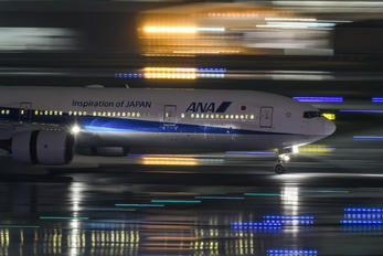 JA753A - ANA - All Nippon Airways Boeing 777-300