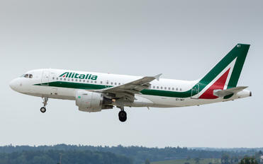 EI-IMT - Alitalia Airbus A319