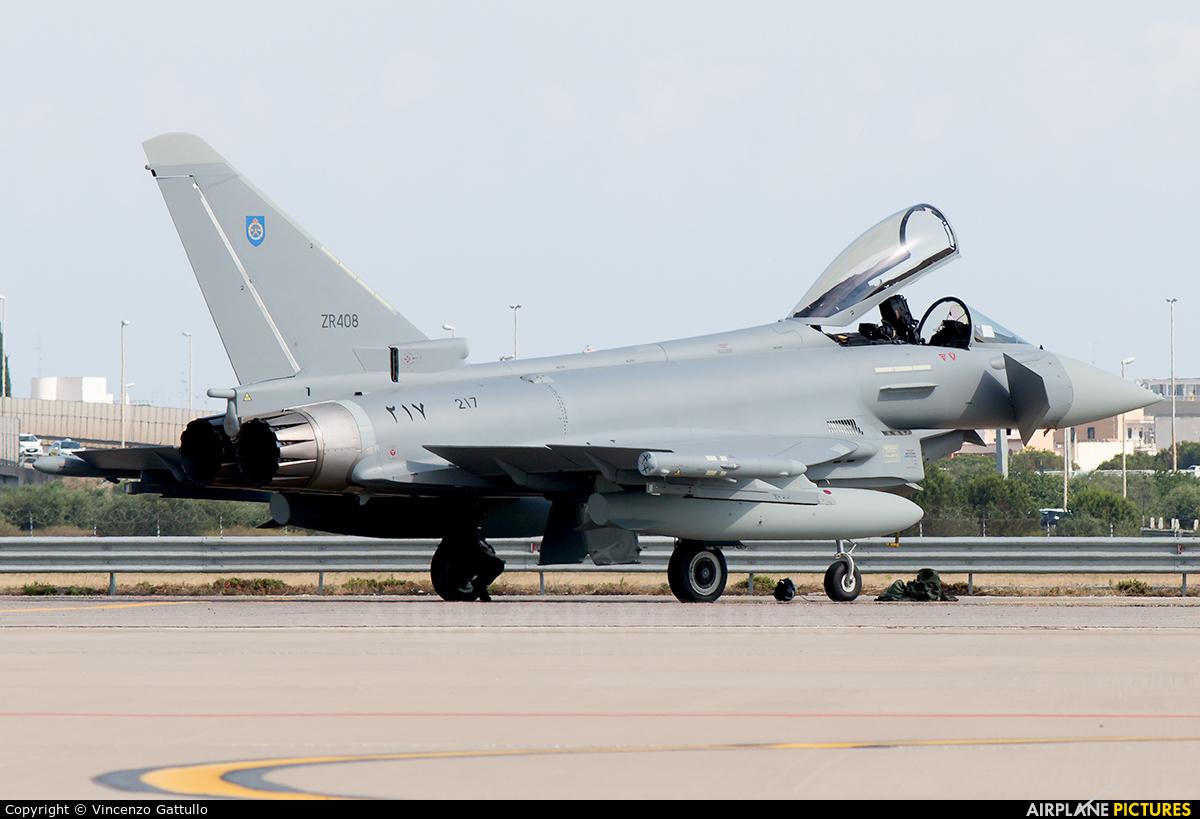Oman - Air Force 217 aircraft at Bari