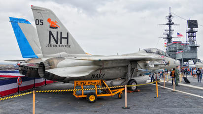 158978 - USA - Navy Grumman F-14A Tomcat